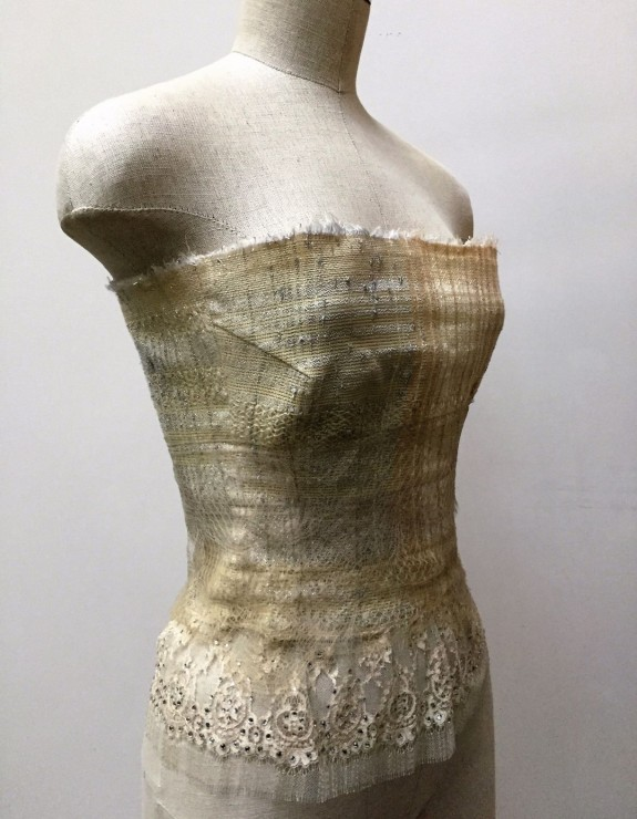 STRAPLESS TOP with LACES